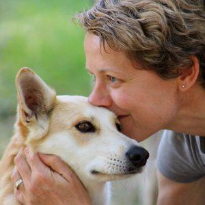 Chiara Olivucci con il suo cane Luna