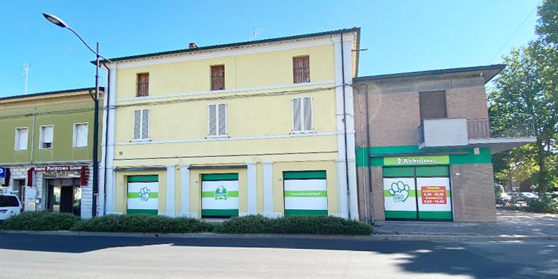 Robinson Pet Shop apre a San Pietro in Vincoli cover